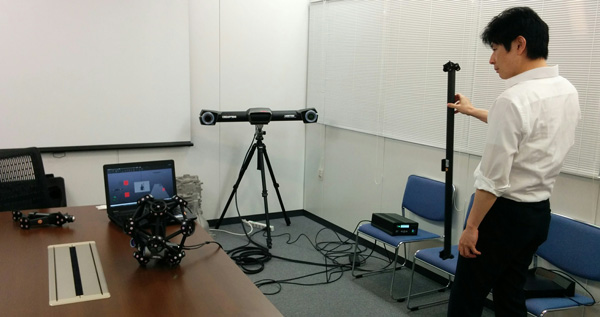 The full setup of the Creaform MetraSCAN 750 solution.