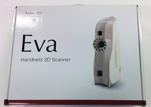 The Artec Eva is delivered in a cardboard case.